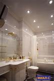 потолки в ванную комнату фото